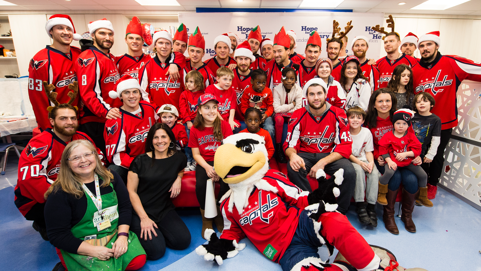 Capitals News: Caps Visit a Hospital to Spread Some Holiday Cheer