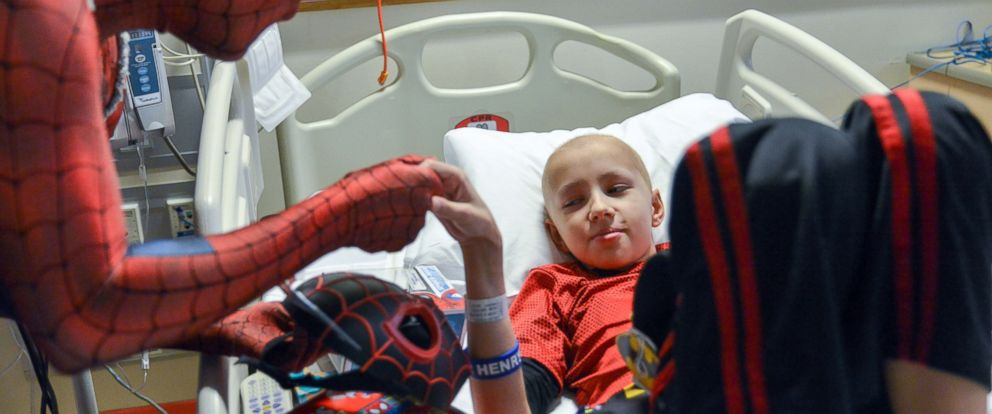 See Superheroes Surprise Sick Kids in Hospital (ABC News)